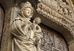 catedral-de-leon-escultura-virgen-blanca