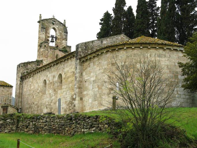 lago-bañolas-iglesia-de-Porqueres-2