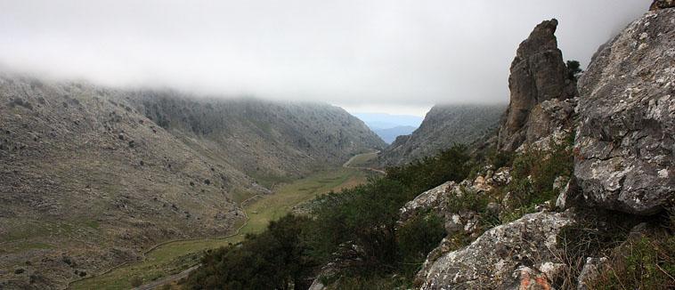 Benaocaz-cuevas-de-la-Menga