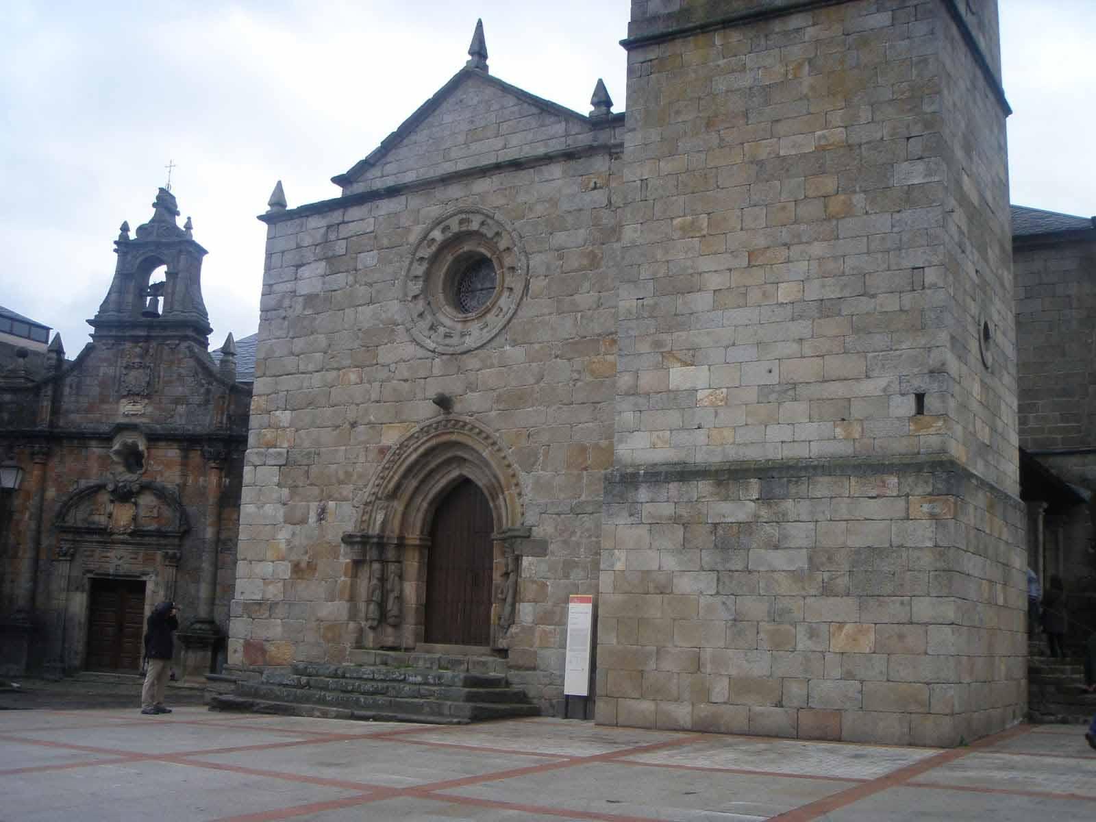 Puebla-de-Sanabria-Iglesia-Santa-María-de-Azogue
