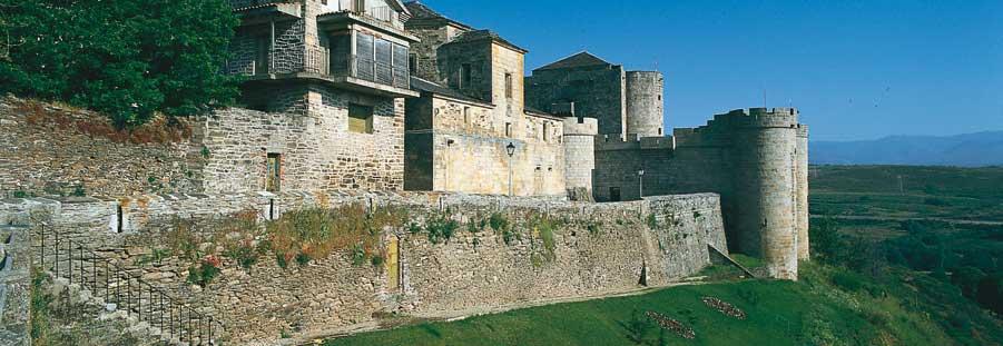 Puebla-de-Sanabria-castillo-muralla