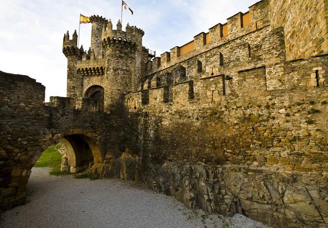Castillo-de-los-Templarios-Ponferrada-foso-2