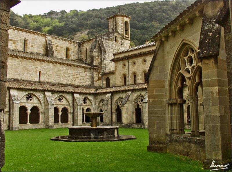 Monasterio-de-Irache-3