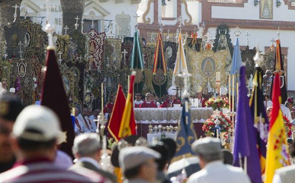 la-romeria-del-rocio-Misa-Pontifical