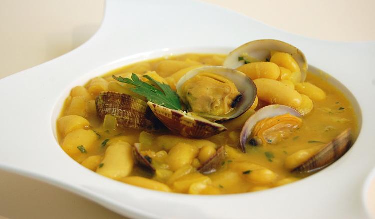 fabada-asturiana-fabes-con-almejas