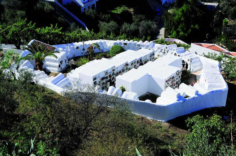 cementerio-redondo-de-sayalonga-vista-aerea