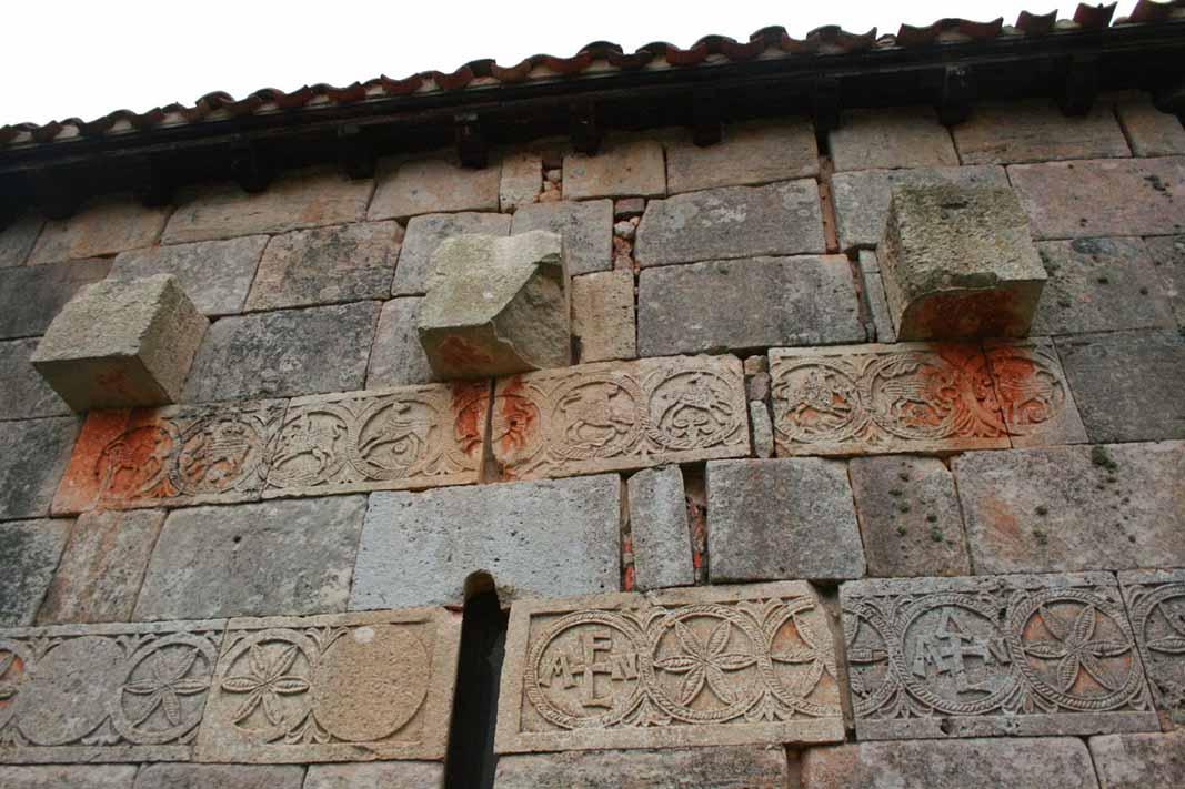 ermita-quintanilla-de-la-viñas-frisos-3
