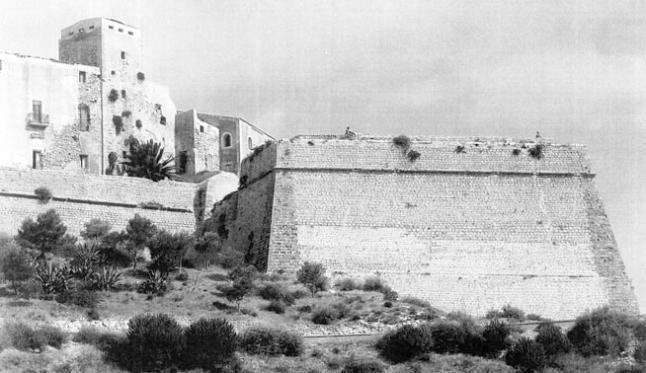 san-antonio-isla-fortificada