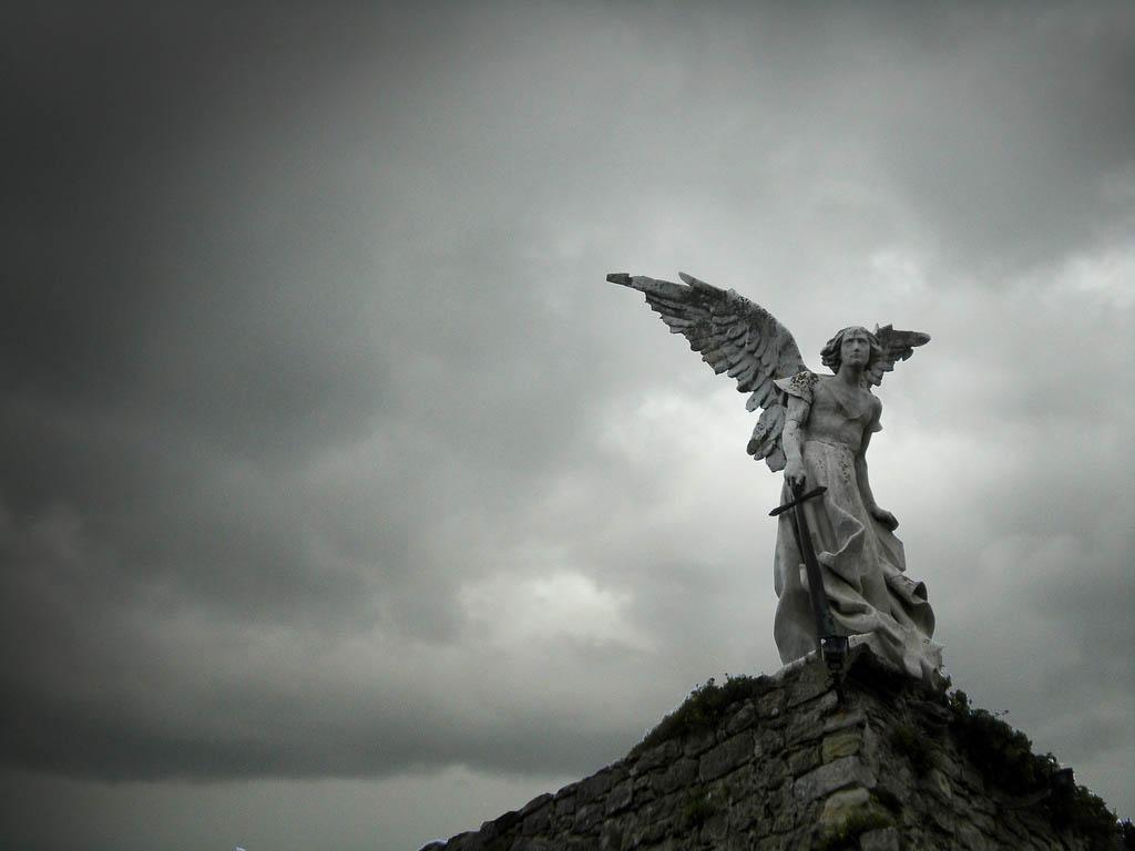 cementerio-de-comillas-angel-exterminador-foto-asturtom-2