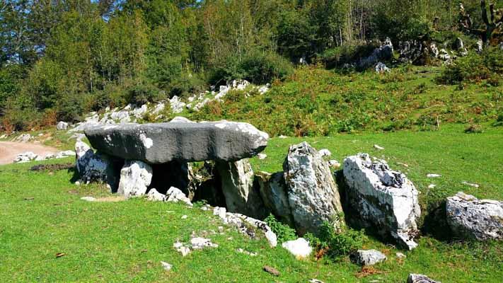 dolmen-de-jentilarri