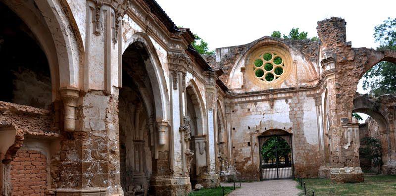 Monasterio-de-Piedra-2