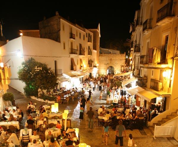 dalt-vila-Plaça-de-Vila-2