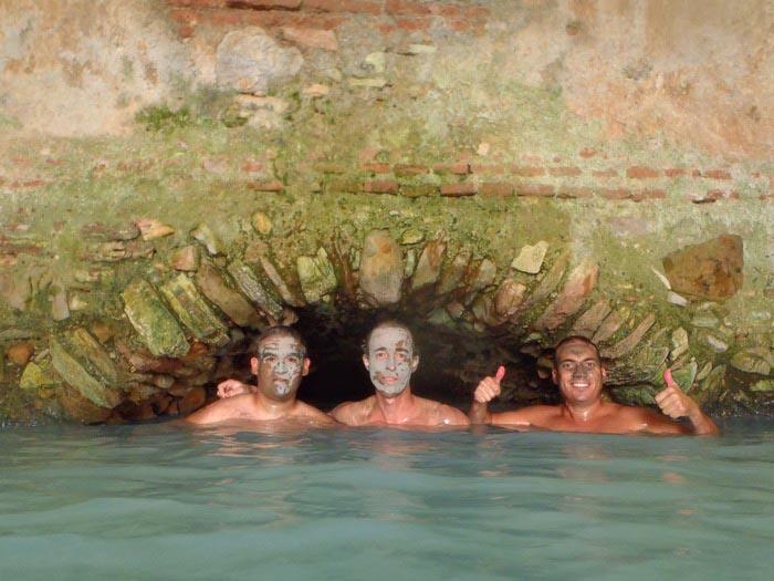 baños-de-hedionda-bañistas