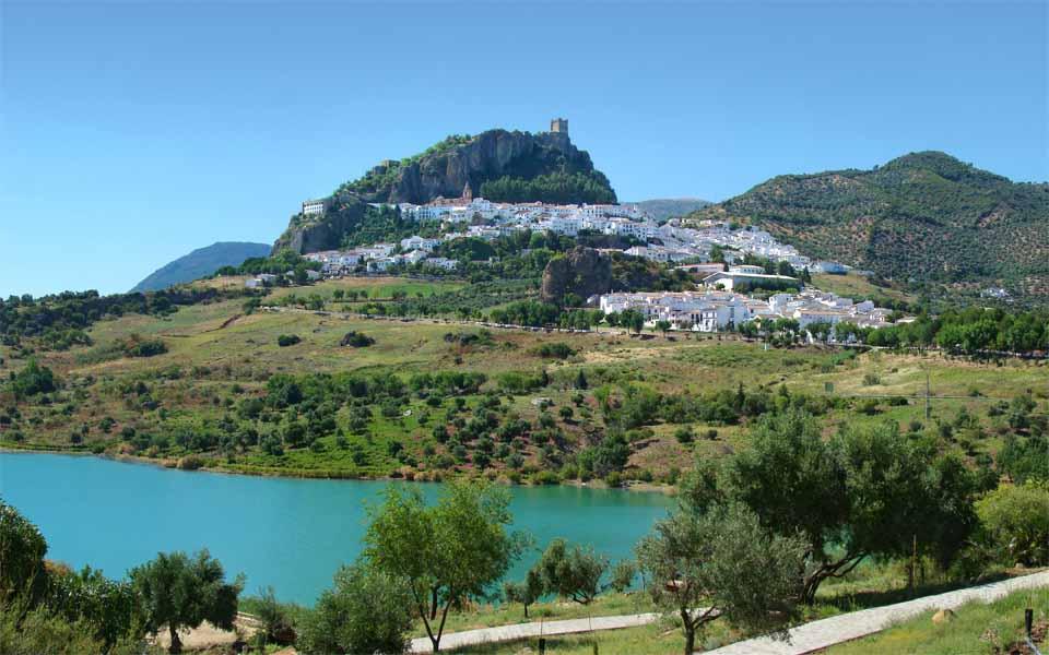 Zahara de la sierra ruta de los pueblos blancos de andaluc a por sole - Casas en zahara de la sierra ...