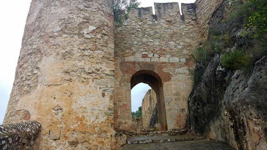 castillo-de-chulilla-entrada-2