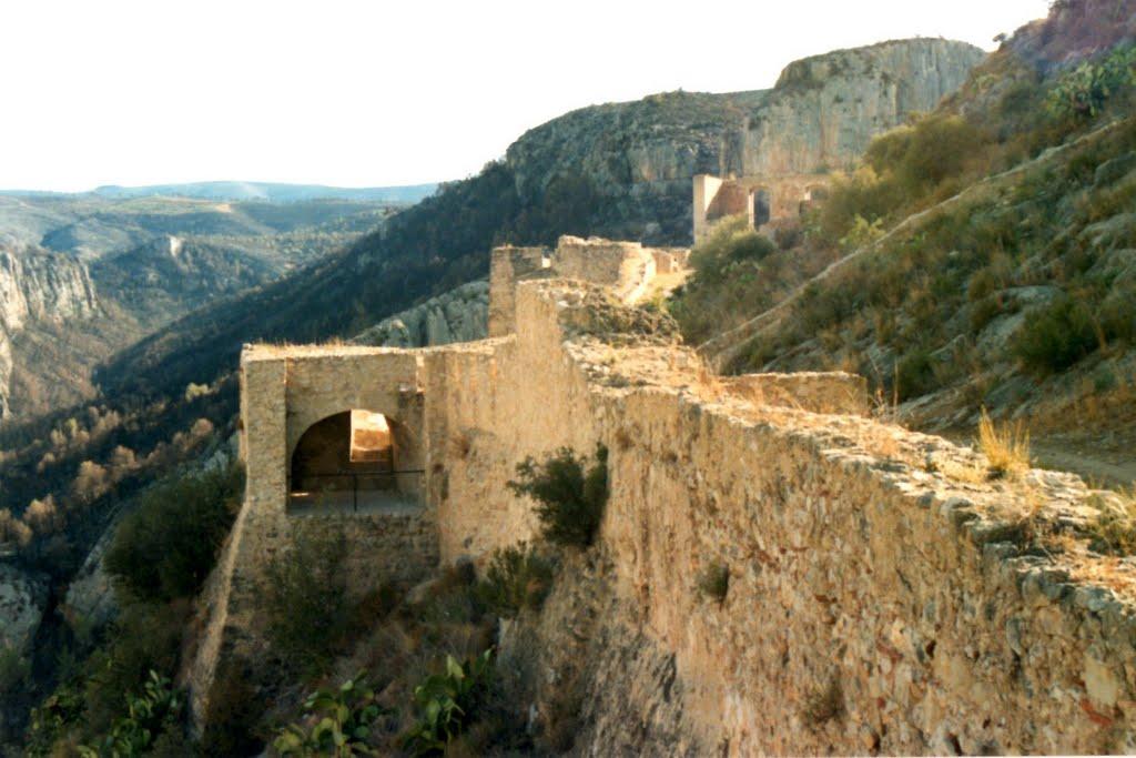 castillo-de-chulilla-muralla-2