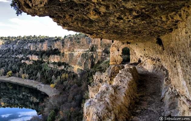 Hoces-del-Río-Duratón-Cueva-Siete-Altares-2