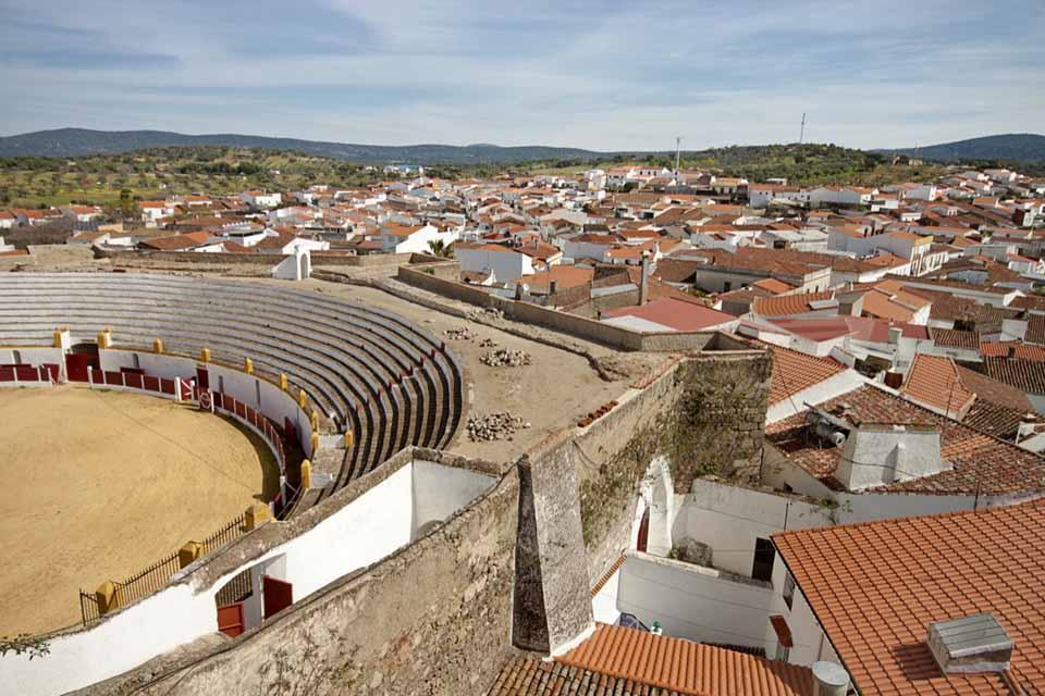 plaza-toros-barcarrota-pueblo-2