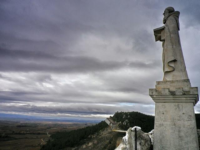 ermita-san-felices-estatua
