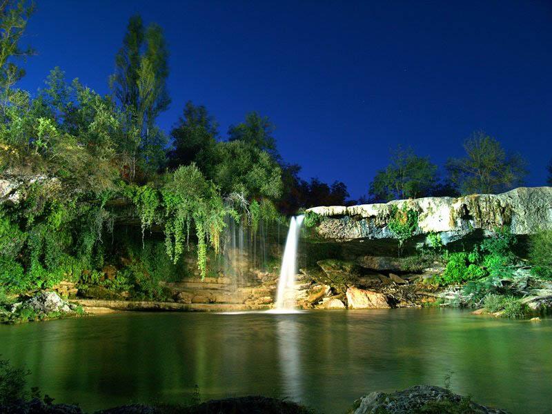 cascada-pedrosa-de-la-tobalina-noche