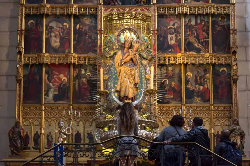 Catedral-de-la-Almudena-virgen-3