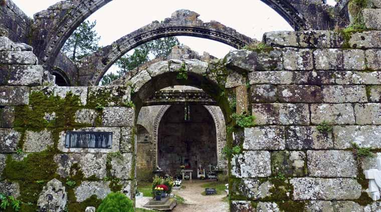 ruinas-de-santa-mariña-de-dozo-3