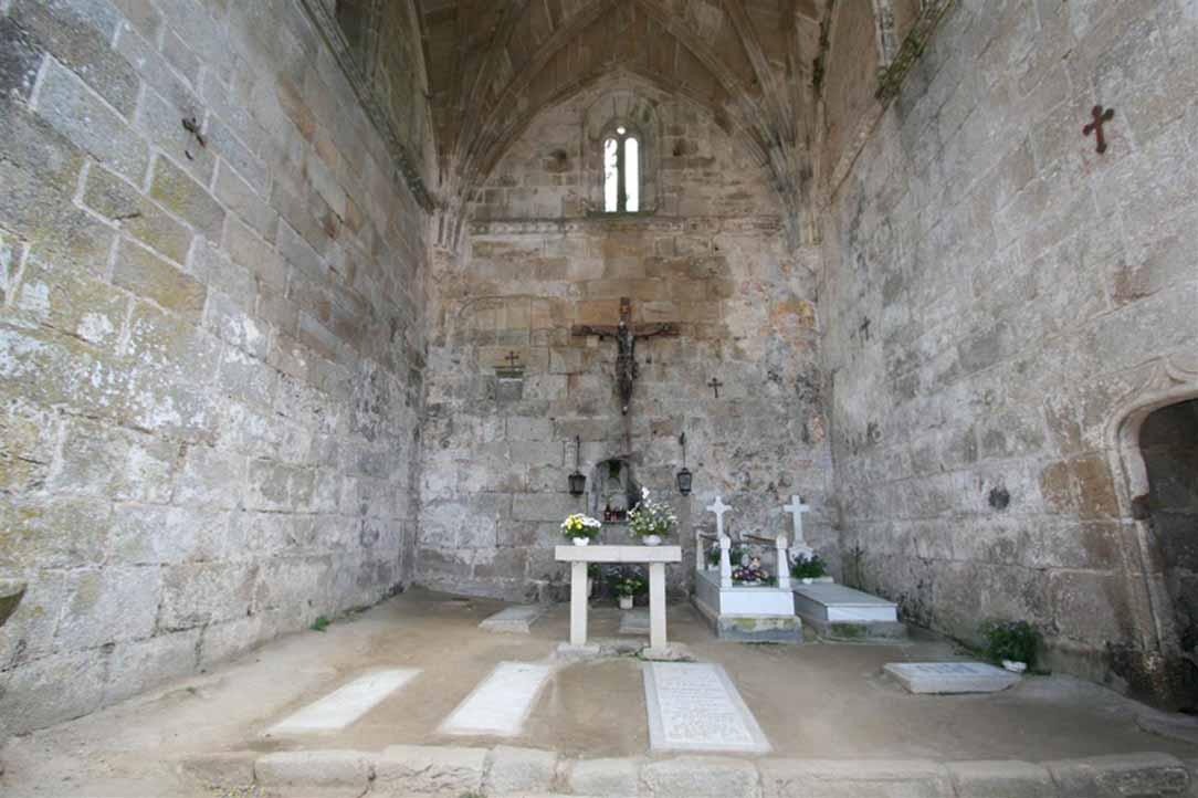 ruinas-de-santa-mariña-de-dozo-interior