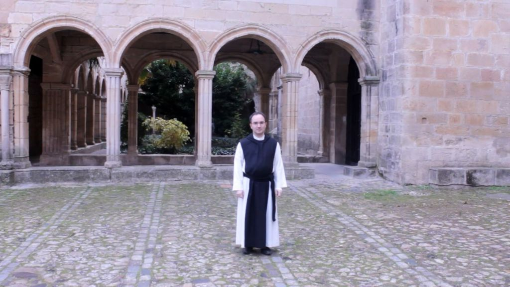 monasterio-de-poblet-monje