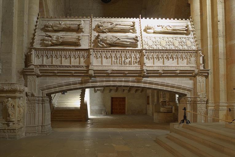 monasterio-de-poblet-panteon-real