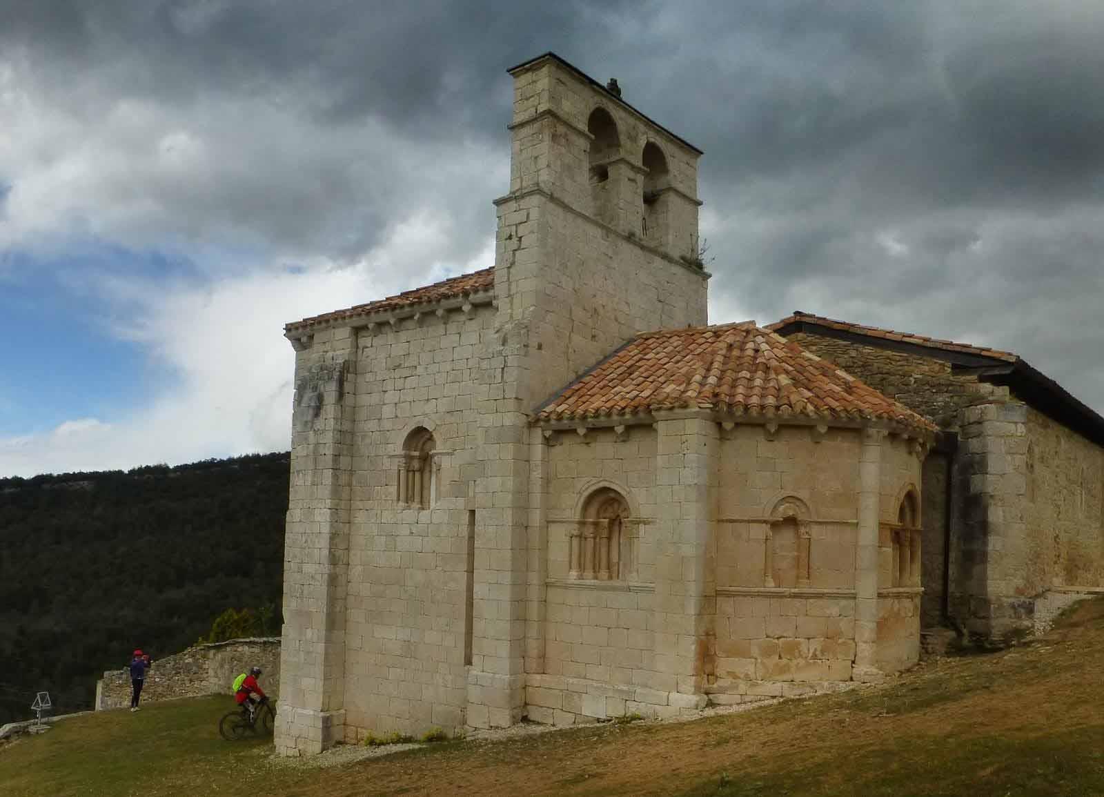 ermita-de-san-pantaleon-de-losa-3