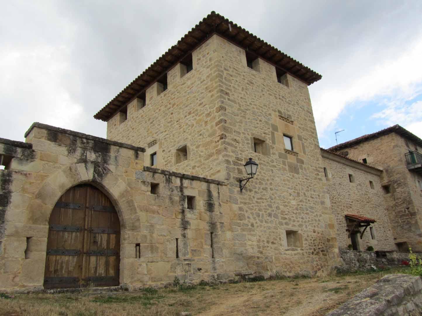 Puentedey-palacio-porras