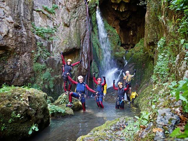 cueva-de-valporquero-curso-de-aguas
