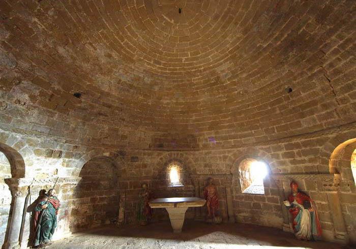 castillo-de-Loarre-cripta