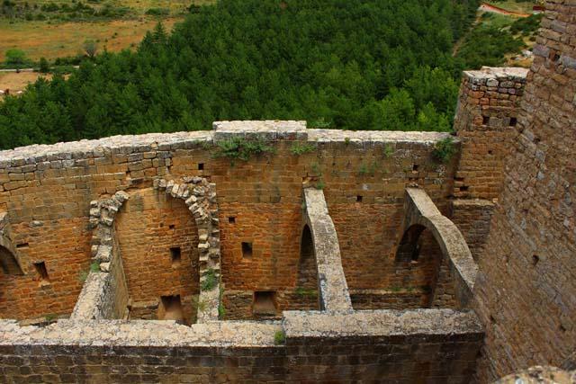 castillo-de-Loarre-dependencias-monacales