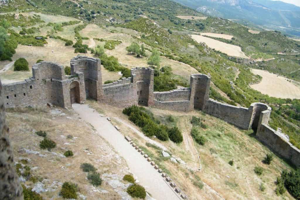 castillo-de-Loarre-murallas