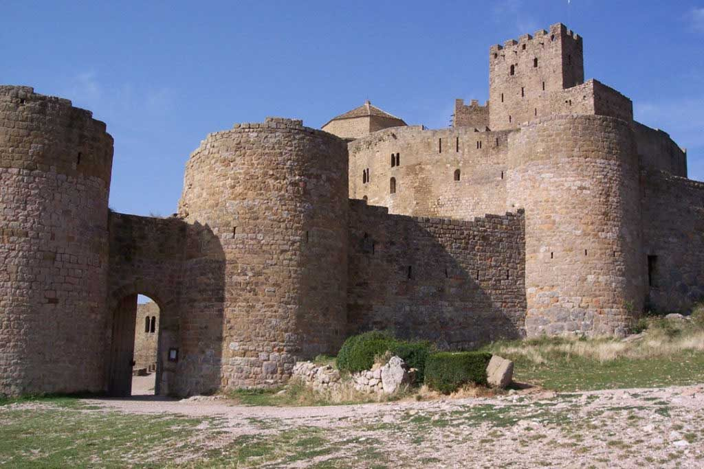castillo-de-Loarre-murallas-puerta-2